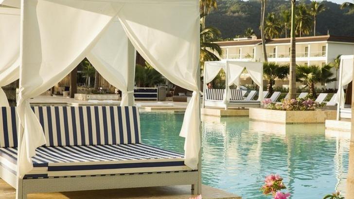 piscine-pour-une-seance-de-farniente-a-hotel-viva-wyndham-v-samana