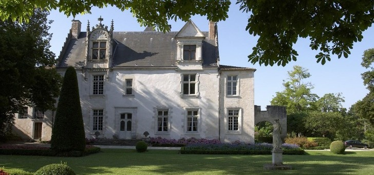 chateau-de-beaulon-a-saint-dizant-du-gua-un-domaine-viticole-temoin-de-5-siecles-de-tradition