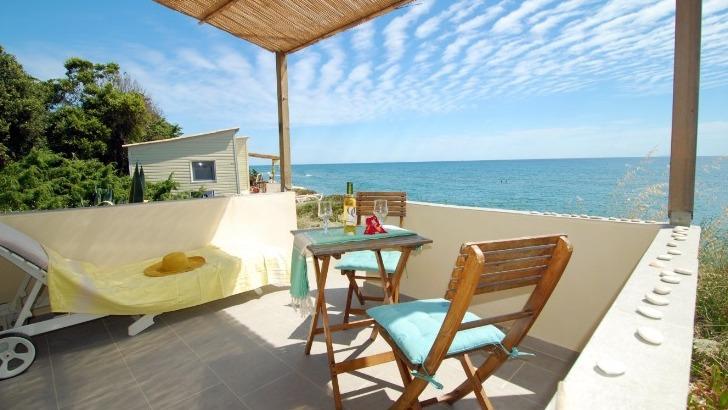 domaine-riva-bella-offre-un-cadre-paradisiaque-pour-des-vacances-haute-corse