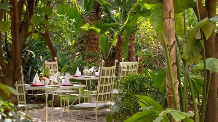 menus-sont-savamment-concus-permettant-de-decouvrir-apprentissage-de-plats-typiques-mais-aussi-un-marrakech-eloigne-des-grands-circuits-touristiques