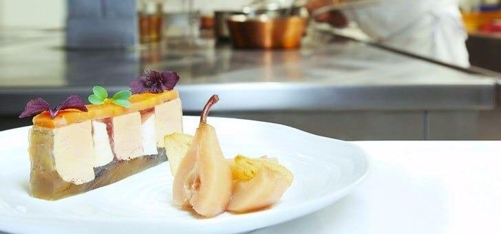 restaurant-santons-a-grimaud-cuisine-mediterraneenne-gastronomique-de-qualite-recompensee-3-fourchettes-au-guide-michelin-produits-frais-de-saison-et-du-marche