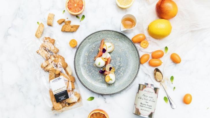 toutes-etapes-de-recette-du-dessert-aux-agrumes-sont-a-retrouver-dans-onglet-inspirations-du-site-de-grande-epicerie-de-paris