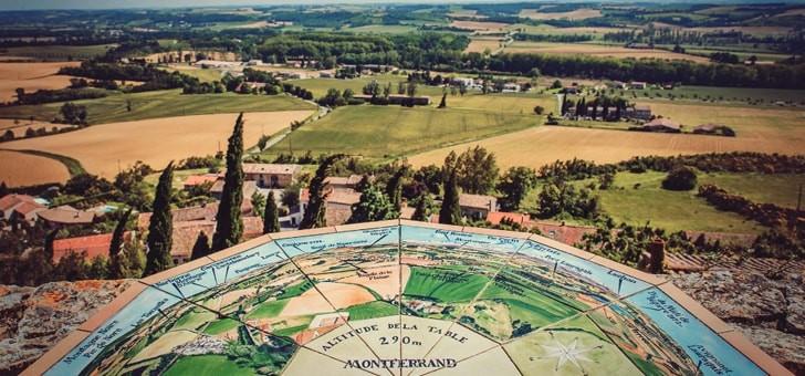 decouverte-de-montferrand-pres-de-castelnaudary-avec-phare-de-aeropostale-ses-trois-eglises-et-un-site-archeologique-de-cerceuils