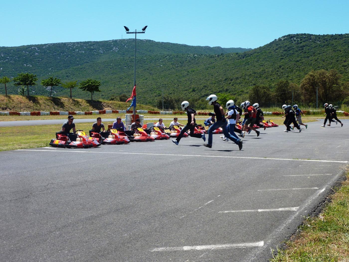 parc-sport-et-loisirs-a-brissac-karting-pour-tester-son-adresse-au-volant