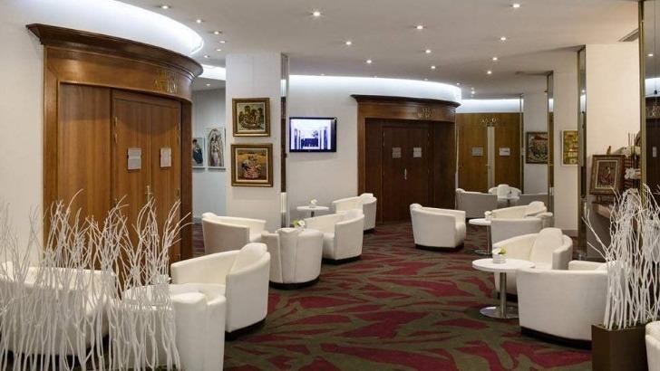 splendid-hotel-un-havre-de-paix-a-seulement-5-minutes-de-mythique-promenade-des-anglais