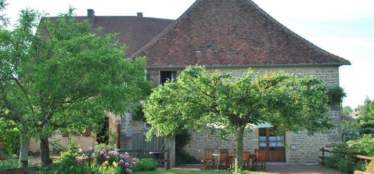 ferme-auberge-des-collines-a-prizy-une-cuisine-traditionnelle-de-ferme