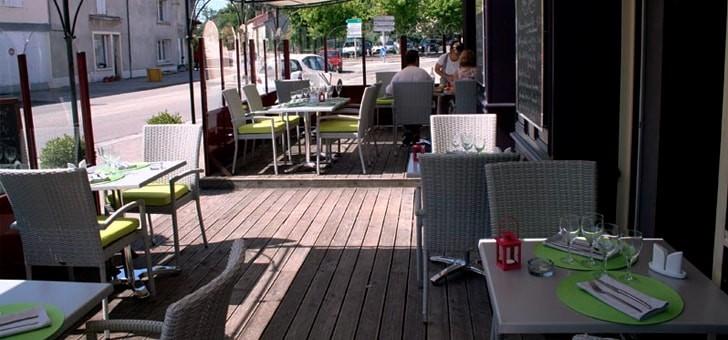 rendez-a-terrasse-pour-profiter-du-soleil