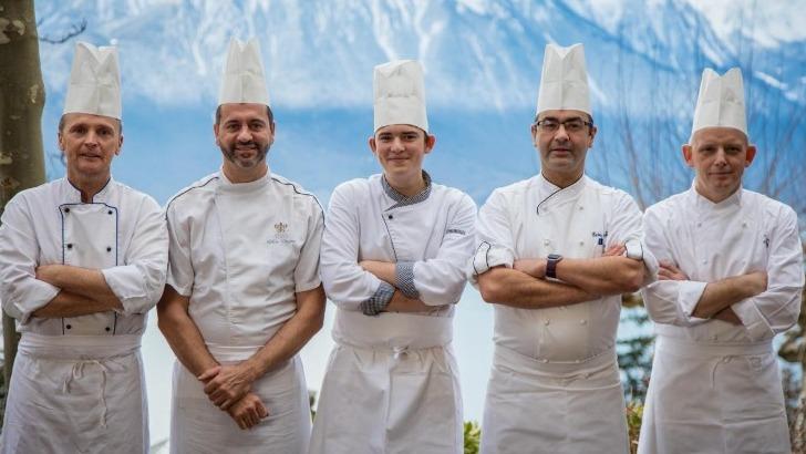 restaurant-victoria-a-glion-brigade-de-cuisiniers-passionnee-et-au-taquet