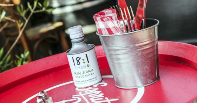 table-terrasse-restaurant-pergola-a-toulouse-ambiance-ville-rose-platane-soleil-degustation-de-plats-cuisine-du-sud-ouest