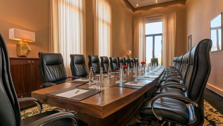 fairmont-royal-palm-a-marrakech-salles-de-conferences-et-de-reunions-arment-de-lignes-architecturales