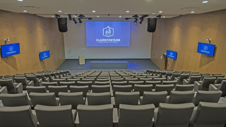 auditorium-fernand-sastre-254-places-a-pointe-de-technologie