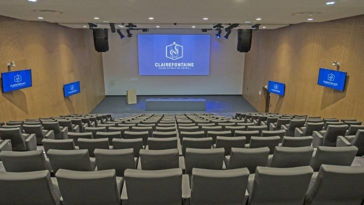 auditorium-fernand-sastre-254-places-a-pointe-de-technologie