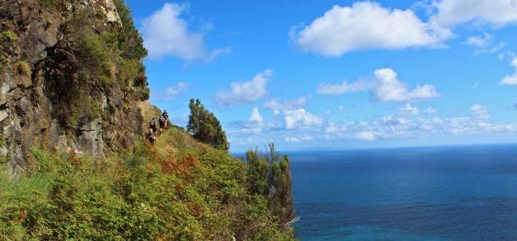 partir-randonnee-top-10-des-destinations-avec-agence-de-voyage-balaguere
