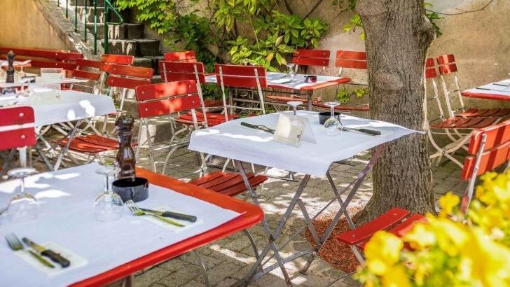 restaurant-cafe-du-soleil-belle-terrasse-ombragee