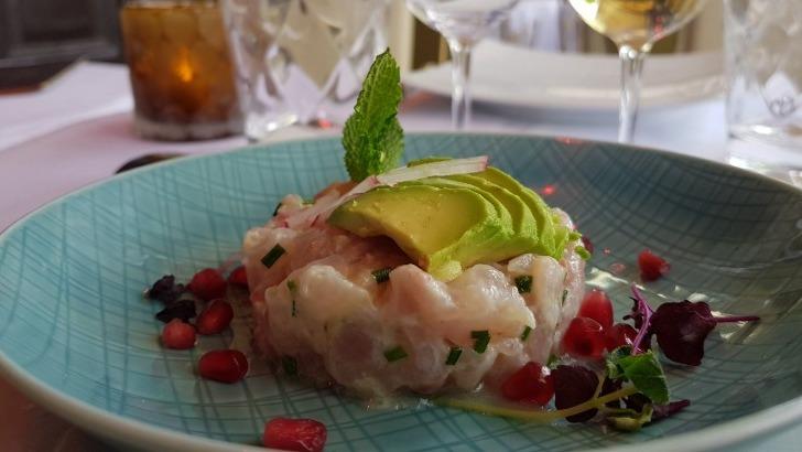 restaurant-u-a-paris-degustez-une-exceptionnelle-gastronomie-franco-thailandaise-ici-une-belle-presentation-de-plat