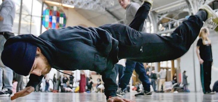 partez-a-rencontre-d-un-crew-de-danseurs-hip-hop-pour-assister-a-session-d-entrainement-credit-photo-lucille-descazaux