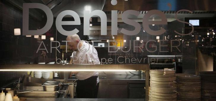 art-of-burger-parenthese-d-un-repas-glisse-entre-deux-buns
