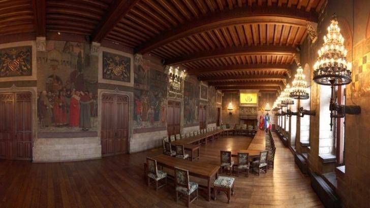 hotel-de-ville-de-douai-salle-gothique