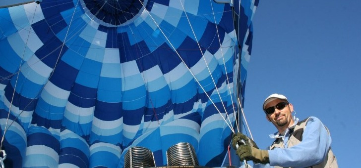 eric-tritz-pilote-de-ballon-libre-a-air-chaud-brevete-2007-par-direction-generale-de-aviation-civile