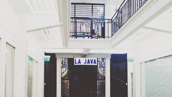 java-a-paris-implantee-dans-quartier-de-belleville-du-xe-arrondissement