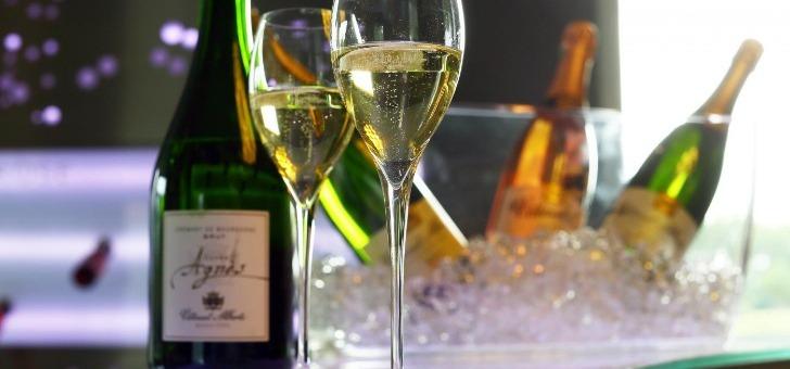 vitteaut-alberti-a-rully-cremant-de-bourgogne-est-elabore-avec-80-de-chardonnay-et-20-d-aligote-provenance-de-cote-chalonnaise-et-de-cote-beaune