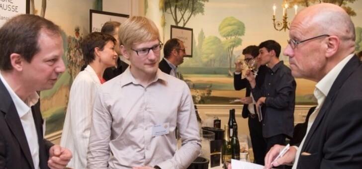famille-un-client-au-tasting-de-terres-de-vins