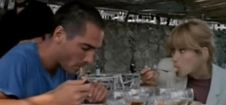 grand-bleu-extrait-du-film-au-restaurant-avec-jean-reno-jean-marc-barr-et-rosanna-arquette