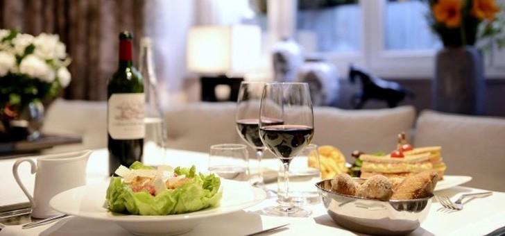 restaurant-lulli-offre-sa-clientele-cuisine-savoureuse-preparee-des-produits-frais