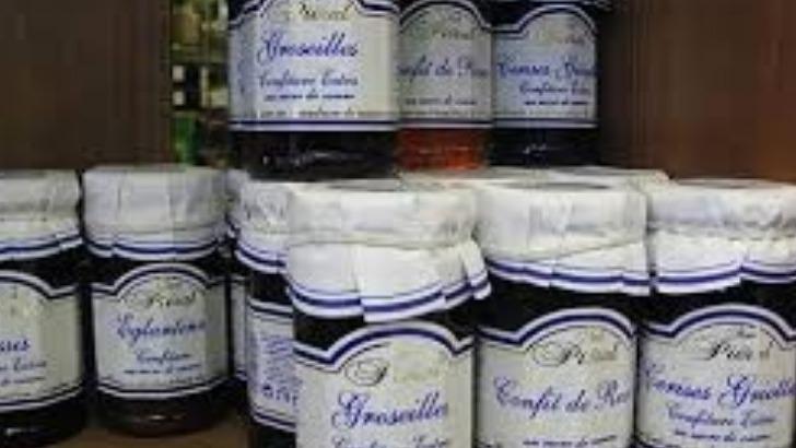 maison-laffarge-possede-tous-atouts-d-une-boutique-dietetique-puisqu-propose-notamment-des-confitures-avec-65-de-fruits-sans-sucre-mais-surtout-des-complements-alimentaires-et-de-herboristerie