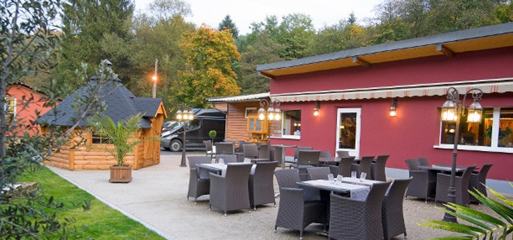 restaurant-brasserie-eclusiers-un-espace-exterieur-parfaitement-amenage-pour-profiter-d-un-temps-ensoleille