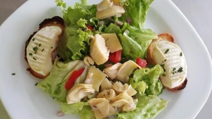 au-restaurant-de-riviere-a-gurgy-salade-de-chevre-chaud