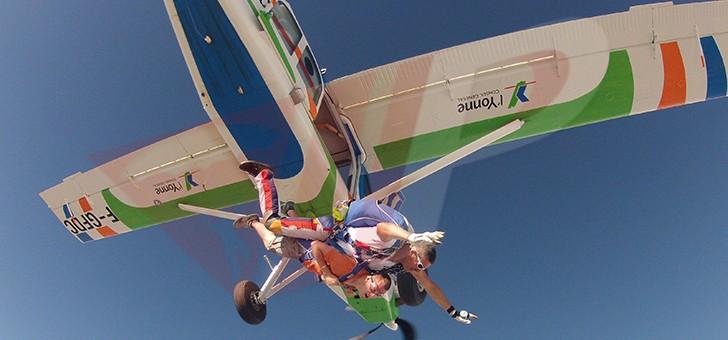 vip-parachutisme-a-melun-pres-de-paris-reservez-saut-parachute-saut-tandem