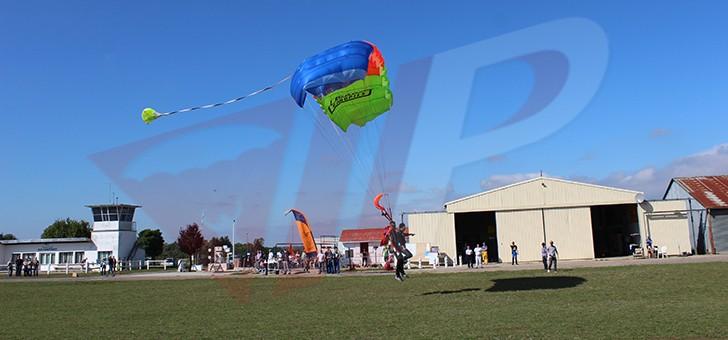 vip-parachutisme-a-paris-melun-experience-inoubliable-saut-parachute