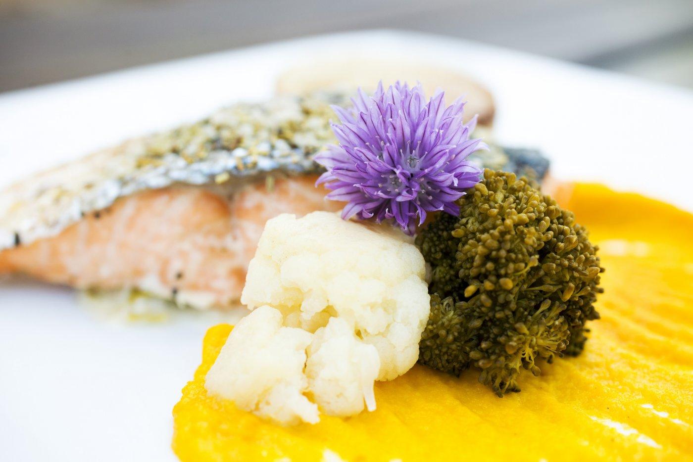 ferme-mont-saint-michel-saumon-aussi-deguste-a-toutes-sauces