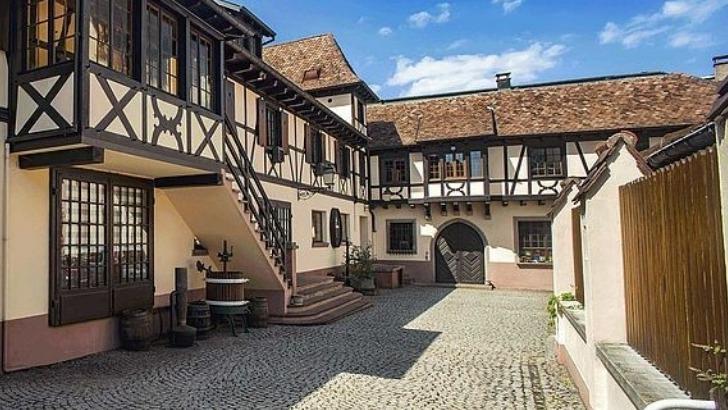 maison-klipfel-un-style-authentiquement-alsacien-refletant-sur-vins-du-domaine