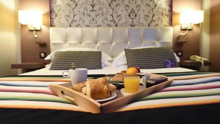 hotel-mercure-clemenceau-un-room-service-pour-restaurer-jusqu-a-23-heures