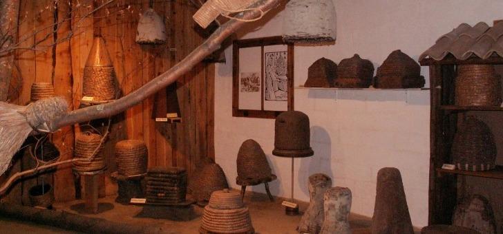 pays-de-dieulefit-bourdeaux-musee-des-ruches-du-monde-a-comps