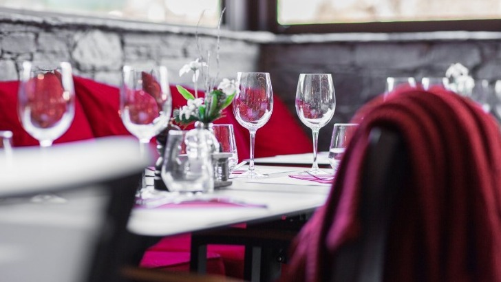 restaurant-rotonde-a-morzine-pour-passer-de-bons-moments-bonne-compagnie