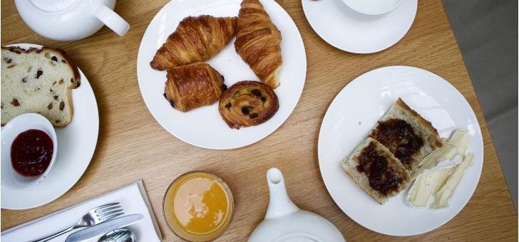 restaurant-comptoir-des-galeries-a-bruxelles-viennoiseries-gourmandes-faites-maison
