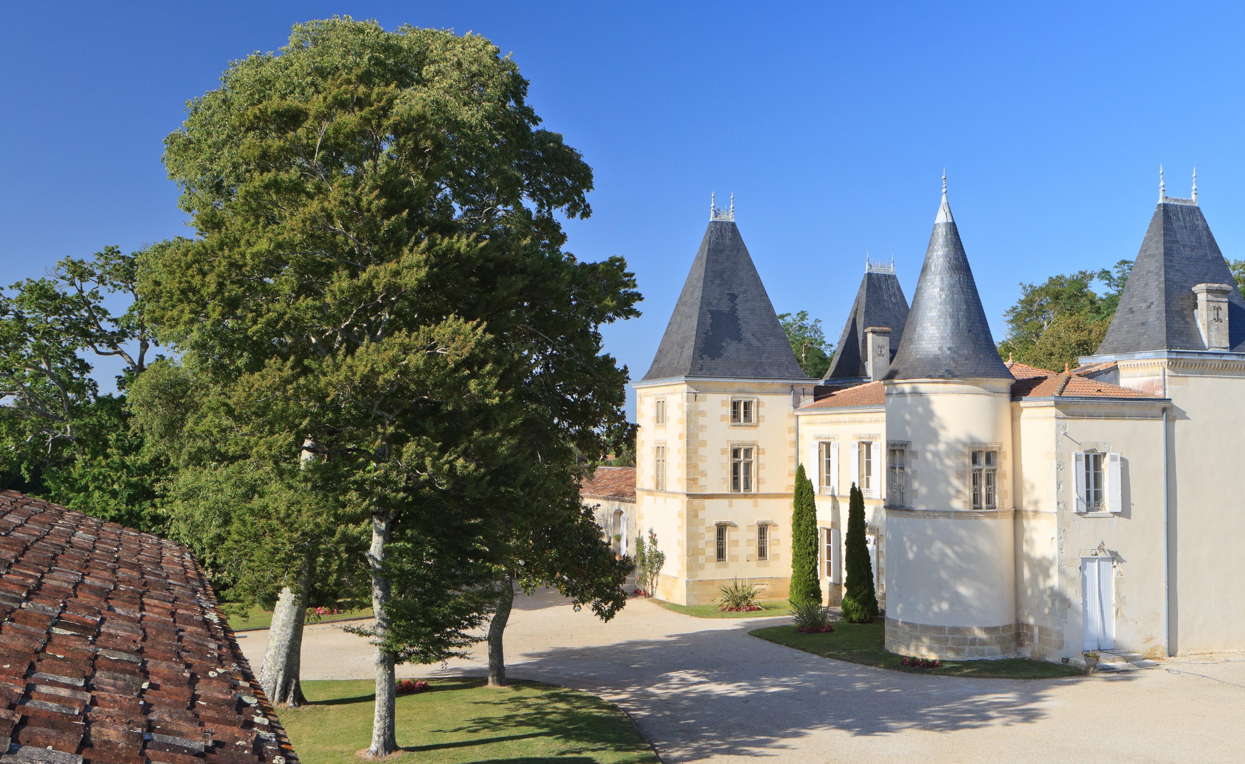 image-prop-contact-chateau-d-escot