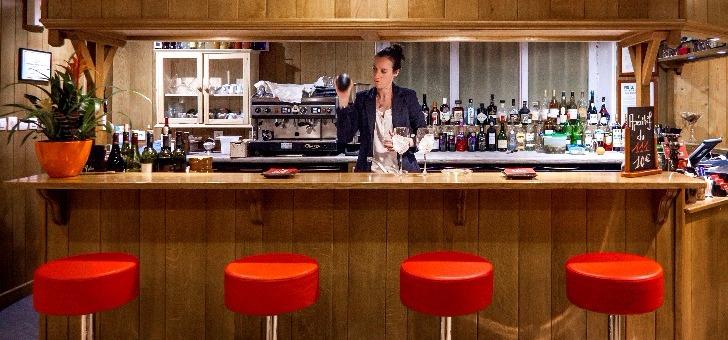 bar-du-restaurant-111-a-douvaine-cuisine-francaise-et-bistronomique-au-menu-de-cet-etablissement