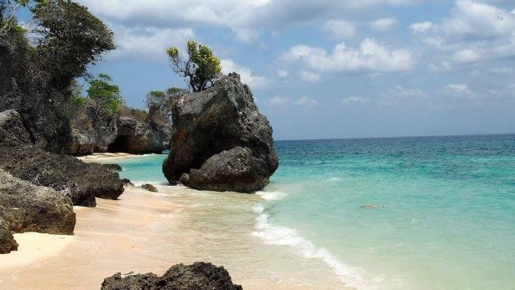 alisman-asia-a-bali-des-sejours-d-exception-ici-une-magnifique-plage