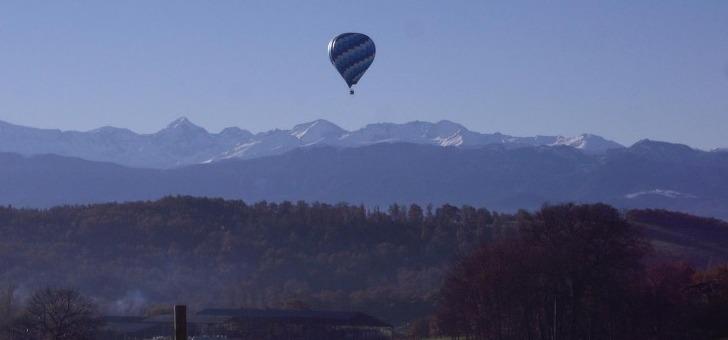 nacelle-d-une-montgolfiere-est-un-veritable-balcon-sur-nature-permet-de-vivre-un-moment-unique
