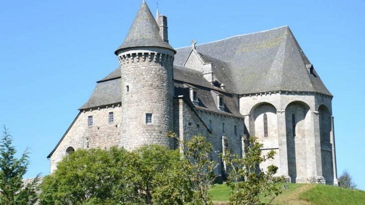 st-michel-des-anges-saint-angel-prieure-fortifie