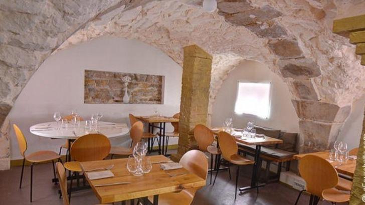 restaurant-monjul-a-paris-un-cadre-magnifique-pour-passer-des-moments-sympathiques