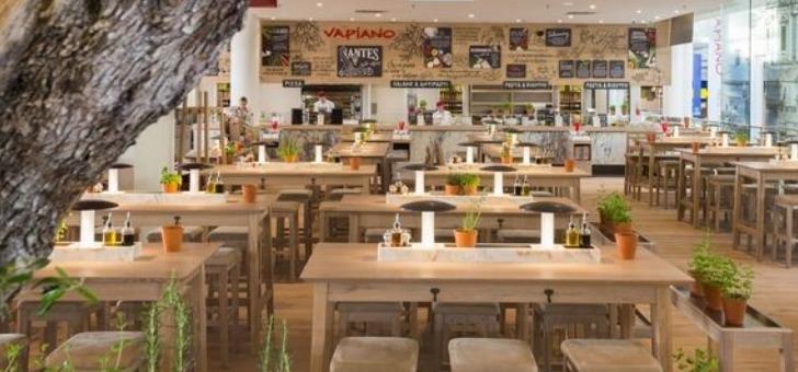 des-oliviers-centenaires-sont-implantes-dans-chaque-restaurant-vapiano