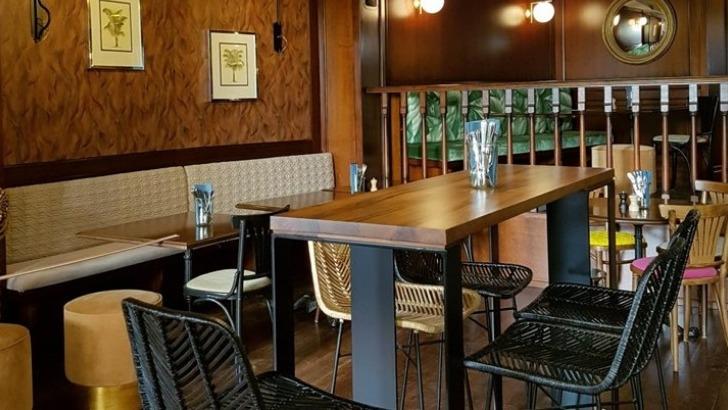restaurant-philosophes-une-ambiance-invite-a-un-voyage-dans-annees-20