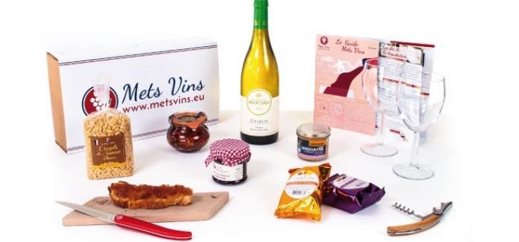 mets-vins-a-signes-box-terroir-francais-assortiment-de-vins-et-de-produits-regionaux-francais