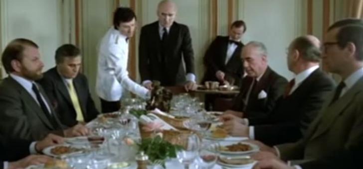 film-sucre-avec-michel-piccoli-jean-carmet-gerard-depardieu-une-scene-au-restaurant-gastronomique-parisien-restaurant-laurent