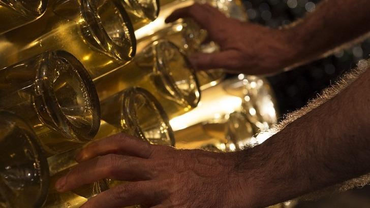 vignerons-independants-legret-produisent-champagne-de-a-a-z-puisque-sont-leurs-vignes-pressoir-leurs-cuves-et-cave